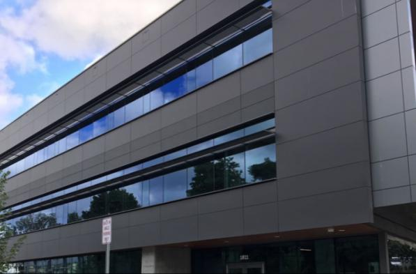 Are there different aluminium panels for facades?